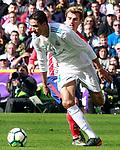 Real Madrid's Raphael Varane (l) and Atletico de Madrid's Antoine Griezmann during La Liga match. April 8,2018. (ALTERPHOTOS/Acero)