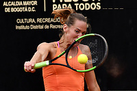 BOGOTA - COLOMBIA – 10 – 04 - 2017: Conny Perrin de Suiza, devuelve la bola a Lara Arruabarrena de España, durante partido por el Claro Colsanitas WTA, que se realiza en el Club Los Lagartos de la ciudad de Bogota. / Conny Perrin of Switzerland, returns the ball to Lara Arruabarrena of Spain, during a match for the WTA Claro Colsanitas, which takes place at Los Lagartos Club in Bogota city. Photo: VizzorImage / Luis Ramirez / Staff.