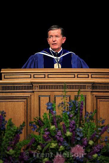 byu president cecil samuelson. BYU graduation. 4.27.2006<br />