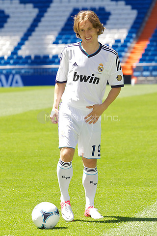 Luka Modric presentation as new Real Madrid player at Santiago Bernabeu Stadium on august 27th 2012...Photo: ALFAQUI /NortePhoto / mediapunchinc