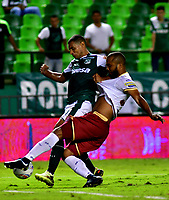 PALMIRA - COLOMBIA, 23-09-2018: JosŽ Sand (Izq.) jugador de Deportivo Cali disputa el bal—n con Nilson Castrill—n (Der.) jugador de Deportes Tolima, durante partido de la fecha 11 entre Deportivo Cali y Deportes Tolima, por la Liga Aguila II 2018, jugado en el estadio Deportivo Cali (Palmaseca) de la ciudad de Cali. / Jose Sand (L) player of Deportivo Cali vies for the ball with Nilson Castrill—n (R) player of Deportes Tolima, during a match of the date 11th between Deportivo Cali and Deportes Tolima, for the Liga Aguila II 2018 at the Deportivo Cali (Palmaseca) stadium in Cali city. Photo: VizzorImage  / Nelson Rios / Cont.