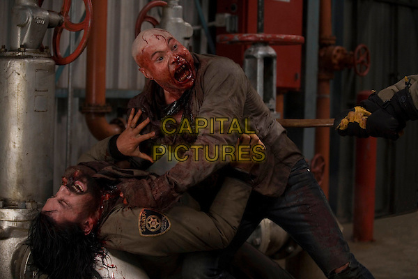 SCENE.in 30 Days of Night .*Filmstill - Editorial Use Only*.CAP/PLF.Supplied by Capital Pictures.