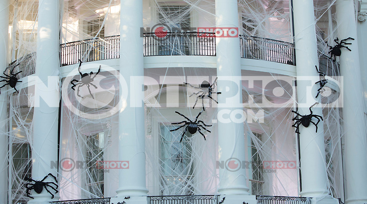 The White House in Washington, DC is decorated for a Halloween event  October 30, 2017. <br /> Credit: Chris Kleponis / CNP /MediaPunch /NortePhoto.com