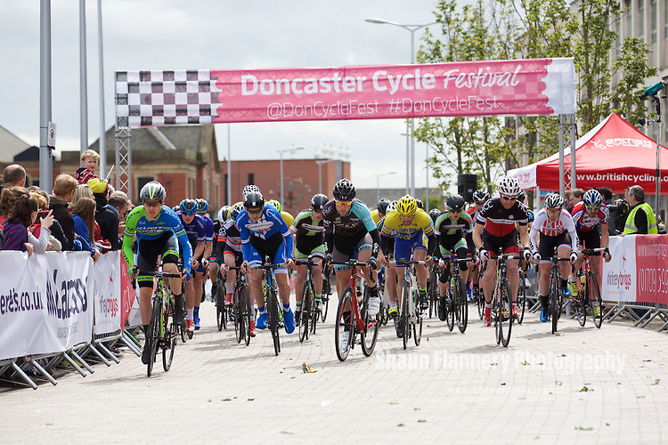 Pix: Shaun Flannery/shaunflanneryphotography.com<br /> <br /> COPYRIGHT PICTURE&gt;&gt;SHAUN FLANNERY&gt;01302-570814&gt;&gt;07778315553&gt;&gt;<br /> <br /> 31st May 2015<br /> Doncaster Cycle Festival 2015<br /> Whinfrey Briggs Grand Prix <br /> Sponsored by Whinfrey Briggs