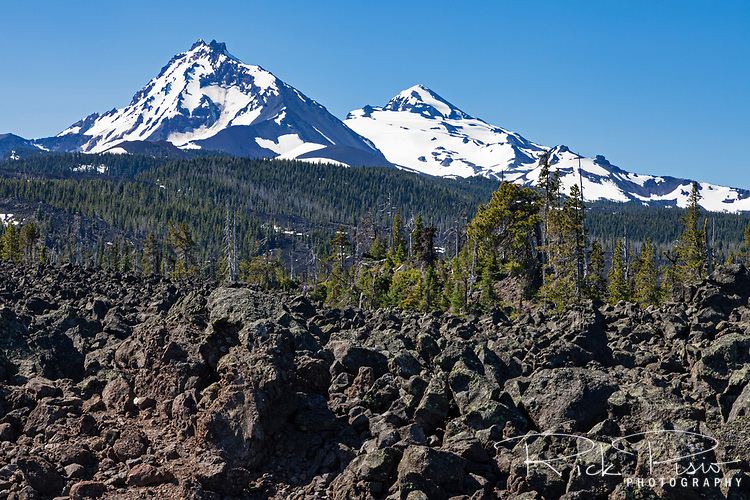 Three Sisters are a complex volcano of three volcanic peaks of the Cascade Volcanic Arc and the Cascade Range in Oregon.