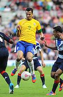 MIDDLESBROUGH, INGLATERRA, 20 JULHO 2012 - AMISTOSO INTERNACIONAL - BRASIL X GRA-BRETANHA - O jogador Leandro Damiao, da Seleção Brasileira, durante amistoso contra a Grã-Bretanha, no estádio Riverside, em Middlesbrough, na Inglaterra, no último jogo antes do início da Olimpíada. (FOTO: GUILHERME ALMEIDA / BRAZIL PHOTO PRESS)., da Seleção Brasileira, durante amistoso contra a Grã-Bretanha, no estádio Riverside, em Middlesbrough, na Inglaterra, no último jogo antes do início da Olimpíada. (FOTO: GUILHERME ALMEIDA / BRAZIL PHOTO PRESS).