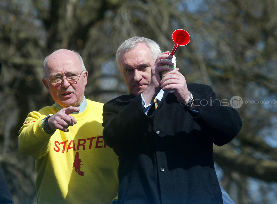 09/04/2006.(L to R) Officail Starter Joe Moore and An Taoiseach Bertie Ahern TD start  the Great BUPA Run at the Phoenix Park, Dublin.Photo: Collins.