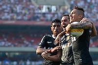 SÃO PAULO, SP, 31 DE MARÇO DE 2013 - CAMPEONATO PAULISTA - SÃO PAULO x CORINTHIANS: Danilo comemora gol durante partida São Paulo x Corinthians, válida pela 16ª rodada do Campeonato Paulista de 2013, disputada no estádio do Morumbi em São Paulo. FOTO: LEVI BIANCO - BRAZIL PHOTO PRESS
