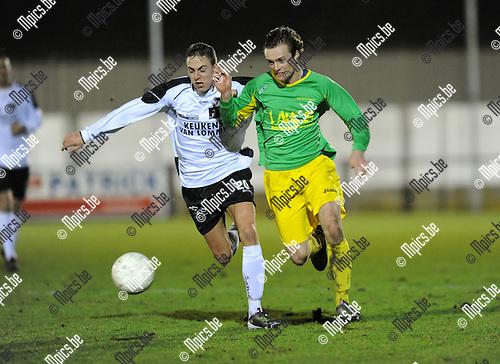 2011-02-05 / Voetbal / seizoen 2010-2011 / Sint-Lenaarts - Oosterzonen / Olivier Schops (L, Oosterzonen) met Steve Nuyts..Foto: mpics