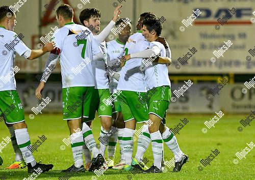 2016-10-15 / voetbal / seizoen 2016 - 2017 / Dessel Sport - ASV Geel / Yari Breugelmans (r) (Dessel) viert één van zijn drie doelpunten met zijn ploegmaats