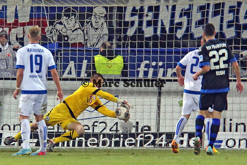 Patrick Platins (Bielefeld) hält - FSV Frankfurt vs. Arminia Bielefeld, Frankfurter Volksbank Stadion