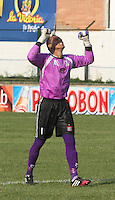 FLORIDABLANCA -COLOMBIA, 01-02-2014.  Breiner Castillo Boyaca Chico celebran un gol en contra de Alianza Petrolera durante del partido por la fecha 1 de la Liga Postobon I 2014, jugado en el estadio Alvaro Gomez Hurtado de la ciudad de Floridablanca./ Boyaca Chico Breiner Castillo elebrate a goal against Alianza Petrolera during a match for the 1th date of the League Postobon 2014 I played at Alvaro Gomez Hurtado stadium in Floridablanca city. Photo:VizzorImage / Duncan Bustamante / STR