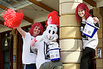 Pix: Shaun Flannery/shaunflanneryphotography.com...COPYRIGHT PICTURE>>SHAUN FLANNERY>01302-570814>>07778315553>>..19th March 2011...............Lakeside Village, Doncaster..Comic Relief Event..Cheryl Sadler & Patsy Panks and Laura Clarkson prepare for the fun run.