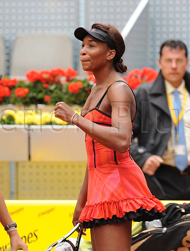 14 05 2010   Madrid  Venus Williams of The United States Celebrates After Winning Samantha Stosur of Australia during their Women's semi-final game