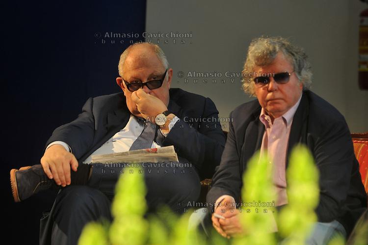 Giugno 2013, Milano: Giancarlo Mazzuca, direttore de &quot;il Giorno&quot;,  Massimo Fini, giornalista.<br /> Jun 2013, Milan: Giancarlo Mazzuca, editor in chief of &quot;il Giorno&quot;,  Massimo Fini, journalist.