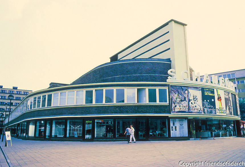 Erich Mendelsohn: Neve Schaubuhne, Berlin 1926-31; 1976-81.  (Formerly University Cinema.)  Photo '87.