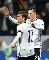 FUSSBALL INTERNATIONAL TESTSPIEL IN DER ALLIANZ ARENA MUENCHEN Deutschland - Italien    29.03.2016  Torjubel nach dem 3:0: Thomas Mueller und Julian Draxler (v.l., alle Deutschland)