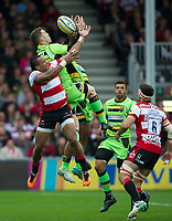 Northampton Saints' George North battles for possession with Gloucester Rugby's David Halaifonua <br /> <br /> Photographer Ashley Western/CameraSport<br /> <br /> Aviva Premiership - Gloucester v Northampton Saints - Saturday 7th October 2017 - Kingsholm Stadium - Gloucester<br /> <br /> World Copyright &copy; 2017 CameraSport. All rights reserved. 43 Linden Ave. Countesthorpe. Leicester. England. LE8 5PG - Tel: +44 (0) 116 277 4147 - admin@camerasport.com - www.camerasport.com
