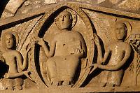 Europe/France/Auverne/63/Puy-de-Dôme/Thuret: L'église prieurale Saint-Limin (architecture romane) - Détail Tympan