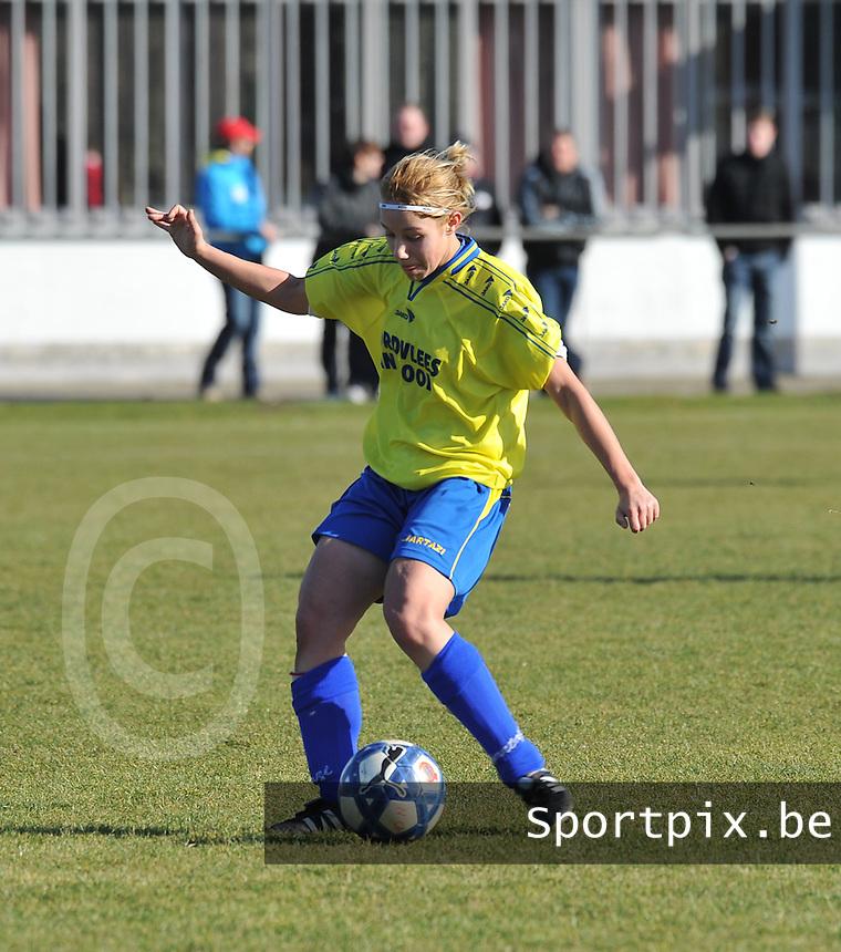 Achterbroek VV : Stephanie Ehlen.foto Joke Vuylsteke / Vrouwenteam.be / Loft6.be