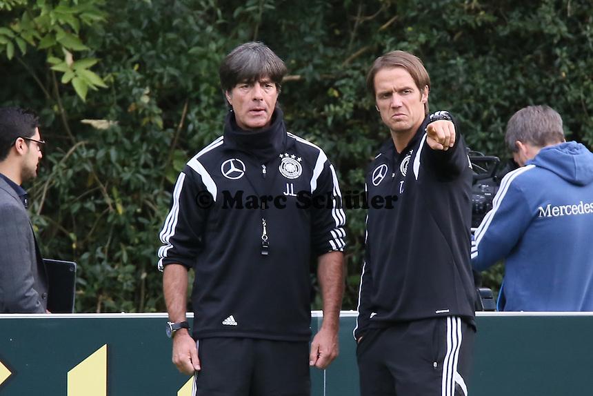 Der neue Co-Trainer Thomas Schneider mit Bundestrainer Joachim Löw- Training der Deutschen Nationalmannschaft in Frankfurt
