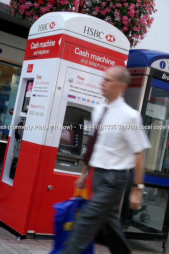 01/08/11 UNDATED FILE PHOTO ..HSBC to announce 5000 job losses - after posting profits of £6.9bn..All Rights Reserved - F Stop Press (Formerly Picture It Now) - T: +44 (0)1335 324700.Local copyright law applies to all print & online usage. Fees charged will comply with standard space rates and usage for that country, region or state...
