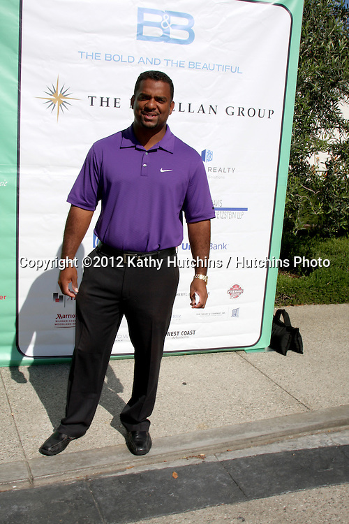 LOS ANGELES - APR 16:  Alfonso Ribeiro arrives at the The Leukemia & Lymphoma Society Jack Wagner Golf Tournament at Lakeside Golf Course on April 16, 2012 in Toluca Lake, CA