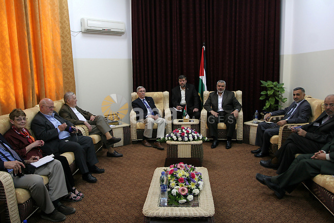 Palestinian Prime Minister in the Gaza Strip, Ismail Haniya meets with a US delegation headed by David Newton, a retired US ambassador, at his office in Gaza City on May 22, 2010. Photo by Ashraf Amra