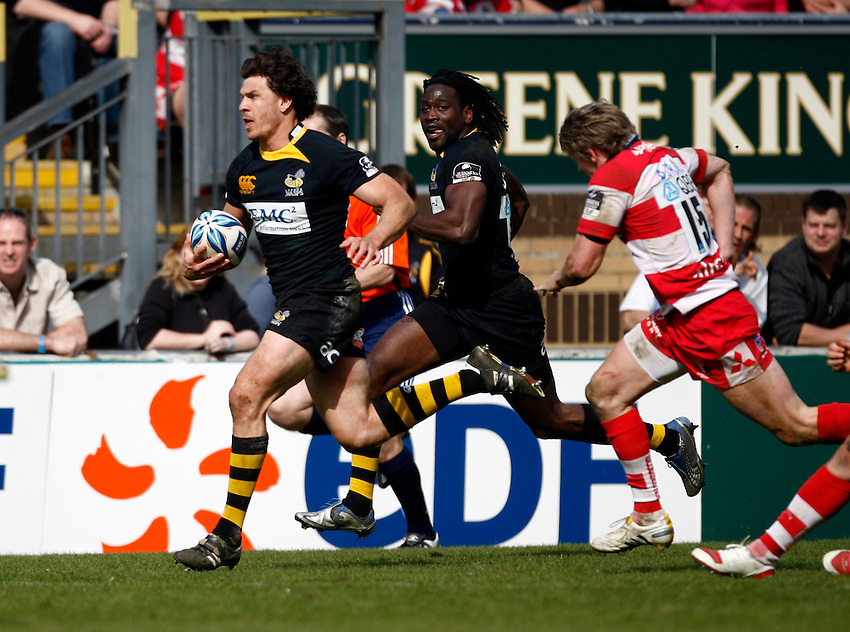 Photo: Richard Lane/Richard Lane Photography. London Wasps v Gloucester Rugby. Amlin Challenge Cup Quarter Final. 11/04/2010. Wasps' Ben Jacobs attacks.