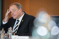 Berlin, Entwicklungshilfeminister Dirk Niebel (FDP), zu Beginn der Kabinettssitzung, Kanzleramt, Deutschland - April 17. (Photo by Maja Hitij/commonlens)
