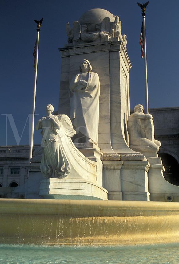 AJ4228, Washington, DC, District of Columbia, fountain, Christopher Columbus, capital city, The Christopher Columbus Memorial Fountain at Union Station in the nation's capital Washington, D.C.
