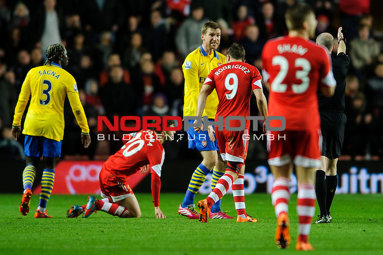 Arsenal Defender Per Mertesacker (GER) reacts angrily to referee Lee Mason -  - 28/01/2014 - SPORT - FOOTBALL - St Mary's Stadium - Southampton v Arsenal - Barclays Premier League.<br /> Foto nph / Meredith<br /> <br /> ***** OUT OF UK *****