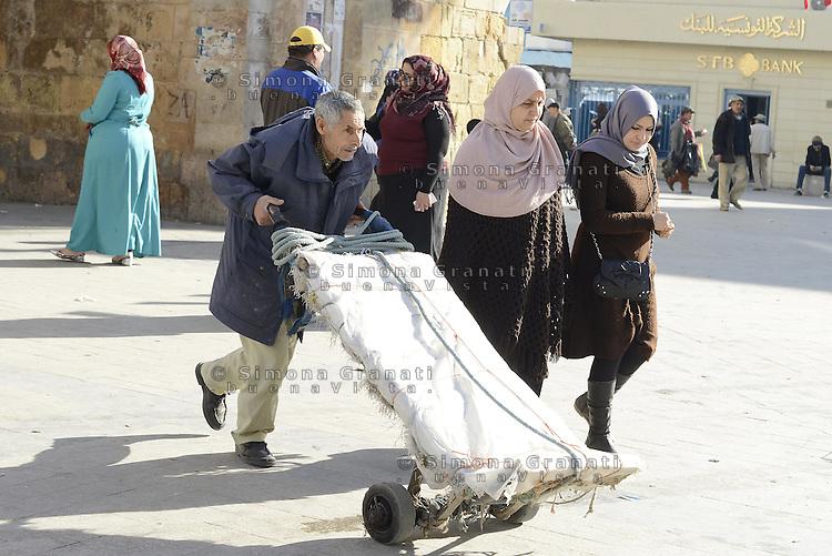 Tunisi, Gennaio 2015<br /> La Tunisia a 4 anni dalla rivoluzione che port&ograve; all'esilio il dittatore Ben Ali. <br /> Bab El Bhar