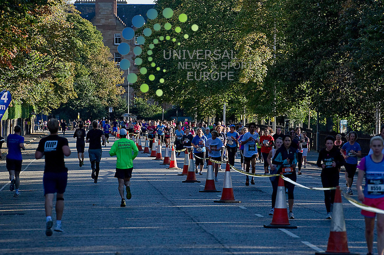 8000 Runners of all abilities take to the streets of Edinburgh to take part in the BUPA Great Edinburgh Run, Edinburgh Scotland, 7th October 2012..Picture:Scott Taylor Universal News And Sport (Europe) .All pictures must be credited to www.universalnewsandsport.com. (Office)0844 884 51 22.