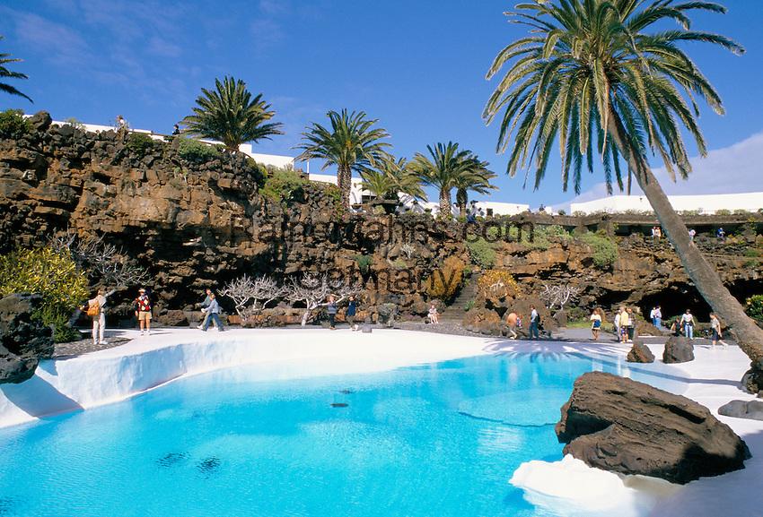 Spain, Canary Island, Lanzarote, Jameos del Agua: pool by Cesar Manrique | Spanien, Kanarische Inseln, Lanzarote, Jameos del Agua: Kunst- und Kulturzentrum in der Gemeinde Haria, kuenstlicher Pool entworfen von Cesar Manrique