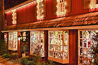 Country store window with Christmas decorations, Peddlers Village, Lahaska, Pennsylvania, PA, USA