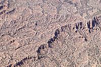 4415 / Mondladschaft: AMERIKA, VEREINIGTE STAATEN VON AMERIKA, NEW MEXICO,  (AMERICA, UNITED STATES OF AMERICA), 10.09.2006: Wueste, Steinwueste, Mondlandschaft, Berge, Huegel, Steine