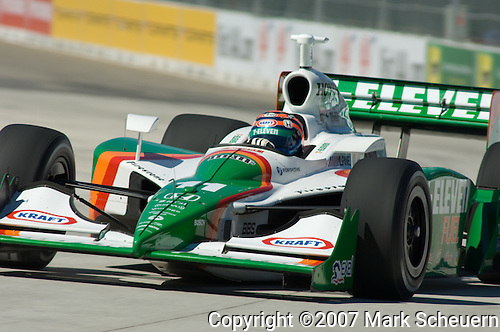 31 August 2007: Tony Kanaan (BRA) at the Detroit Belle Isle Grand Prix, Detroit, Michigan.