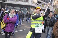 """Milano, protesta nazionale indetta dal """"Movimento dei Forconi""""; manifestazione e blocco del traffico in piazza Loreto"""