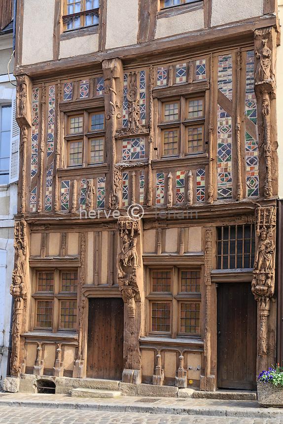 France, Yonne (89), Joigny, place du Pilori, maison du Pilori // France, Yonne, Joigny, Pilori house