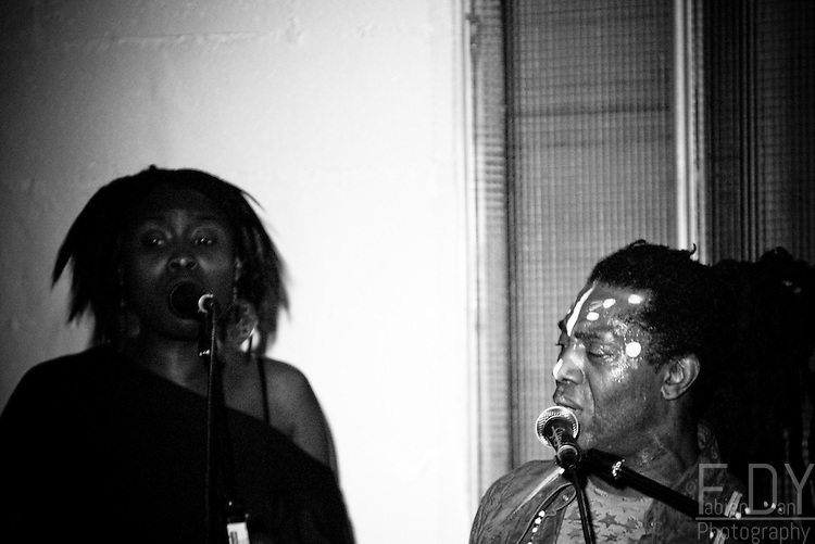 "Images from the concert ""Squat de Luxe"" with Amayo, Brice Wassy, Oghene Kologbo and others for a big jam session"