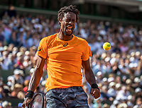 Paris, France, 5 June, 2017, Tennis, French Open, Roland Garros,  Gael Monfils (FRA) reacts in his match against Stan Wawrinka.<br /> Photo: Henk Koster/tennisimages.com