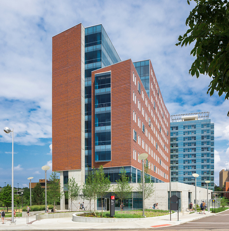 University of Cincinnati Marian Spencer Residence Hall | GBBN University of Cincinnati Marian Spencer Hall | GBBN