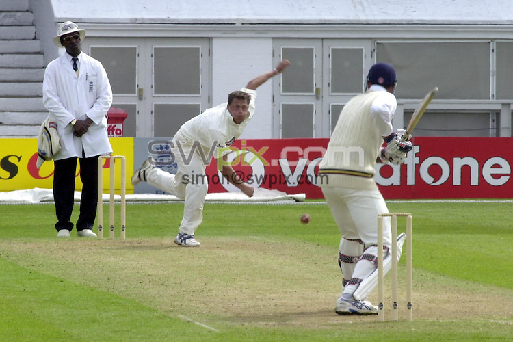 Pix: Matthew Lewis/SWpix. Benson and Hedges Cup 2001, Yorkshire v Durham, Headingley. 07/05/2001..COPYWRIGHT PICTURE>>SIMON WILKINSON>>01943 436649>>..Yorkshires Darren Gough bowls to Durhams Michael Gough.