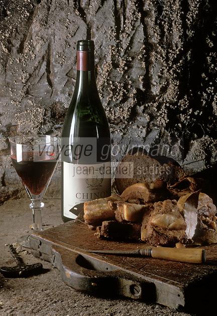 Europe/France/Centre/Indre-et-Loire: Rillons de Touraine et vin de Chinon Rouge AOC