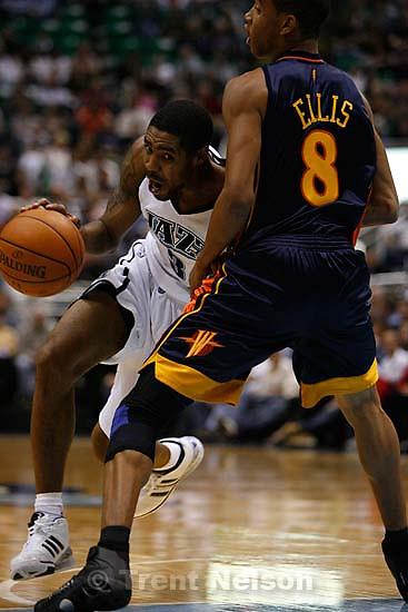 Salt Lake City - Utah Jazz vs. Golden State Warriors, NBA basketball Saturday night at EnergySolutions Arena. 11.03.2007 Utah Jazz guard Jason Hart (3) Golden State Warriors guard Monta Ellis (8)