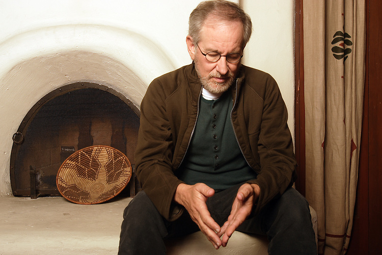 SLUG: SA/SPIELBERG..SHOOTING DAY:      WEDNESDAY   DATE: 11-08-2006  TIME: 12:15 PM..DESK:  ST.SUBJECT:     Director Steven Spielberg, one of this year's recipients of.the Kennedy Center Honors..*** Gerard Burkhart 818-207-0273 will shoot and send photos on Thurs 11/9/06..BACKGROUND.INFORMATION: The 12/3 Sunday Arts section will feature all of the Ken Cen.Honors profiles....Photo Gerard Burkhart    818-207-0273