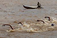 Maratonas aquáticas1 Lugar Ivan Uchoa - Equador.2 Lugar Samuel de Bona  3 Lugar Martin Nicolas UruguaiDezesseis participantes de nove paises participaram da maratona aquática de 5 km na baia do Guajará.Belém, Pará, BrasilFoto Paulo Santos16/03/2012