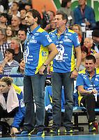 Handball 1. Bundesliga Frauen 2013/14 - Handballclub Leipzig (HCL) gegen Thüringer HC (THC) am 30.10.2013 in Leipzig (Sachsen). <br /> IM BILD: HCL Trainer Thomas Swed Örneborg / Oerneborg und HCL Torwarttrainer Wieland Schmidt  <br /> Foto: Christian Nitsche / aif