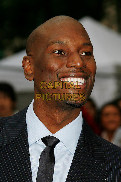 TYRESE GIBSON.'Transformers: Revenge of the Fallen' .UK film premiere at Odeon cinema, Leicester Square, London, England..15th June 2009.headshot portrait black white stubble facial hair .CAP/DAR.©Darwin/Capital Pictures.